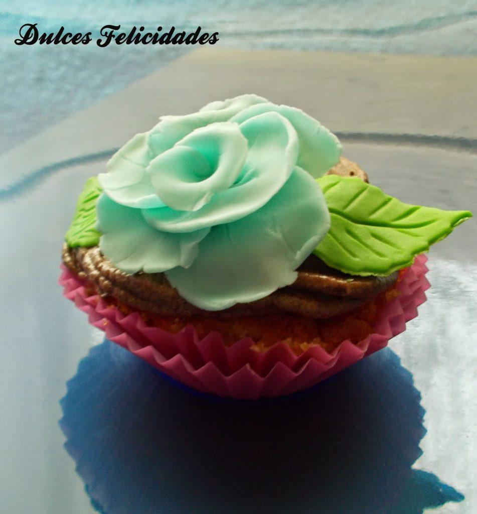 Cupcakes Decorados Con Flores Y Mariposas Buttercream De