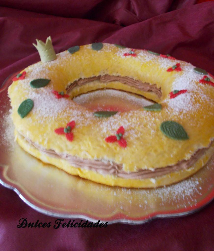 Roscón de Reyes relleno de buttercream de crema de cacao