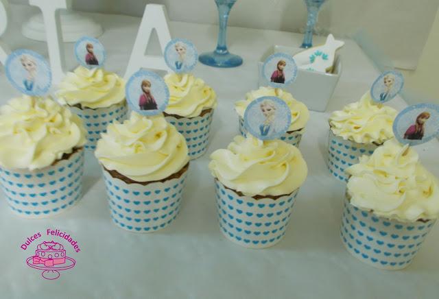 Cupcakes Frozen de Nesquick y buttercream
