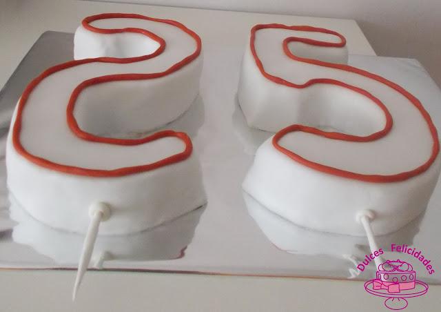 Tarta en forma de velas de números