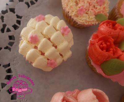 Cupcakes de dulce de leche y las boquillas rusas