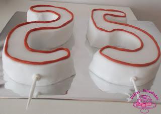 Tarta de velas en forma de números