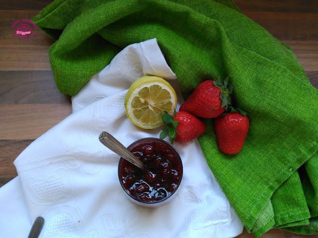 Mermelada de fresa con azúcar moreno de caña