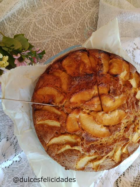 Bizcocho de manzana y cardamomo con harina de espelta