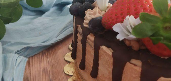 Tarta de obleas con Nutella decorada con frutas Tarta con frutas
