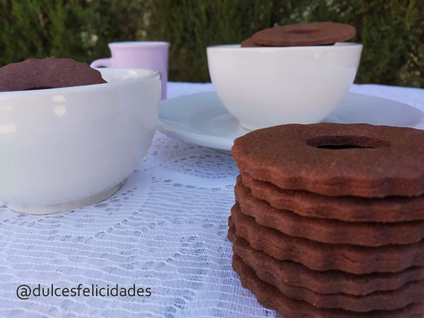 Galletas de mantequilla y cacao Galletas de chocolate