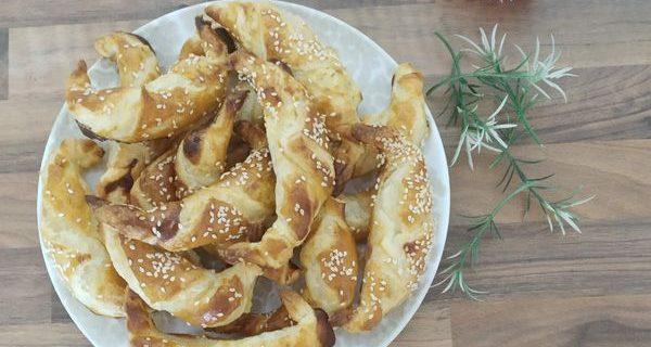 Börek turcos o empanadas de queso feta