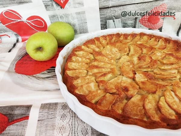 Tarta de manzana al horno fácil, rápida y muy jugosa